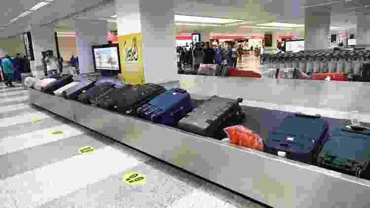 esteira de malas em um aeroporto - Getty Images - Getty Images