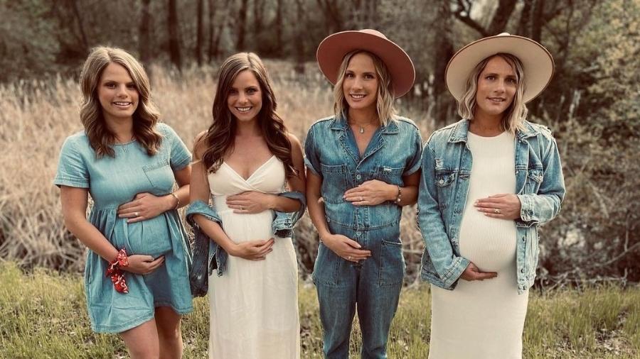 Irmãs unidas mostrando as barrigas de grávida - Reprodução/Instagram/@the_gaines_girls