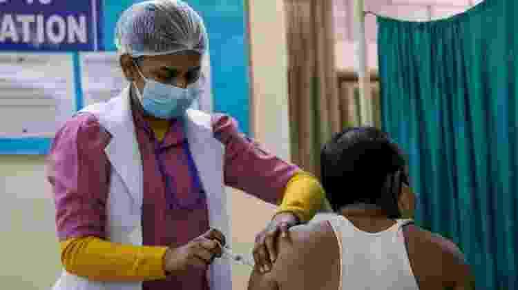 Vacinação com Covaxin começou em janeiro na Índia antes de a fabricante concluir fase final de testes - REUTERS/Adnan Abidi - REUTERS/Adnan Abidi