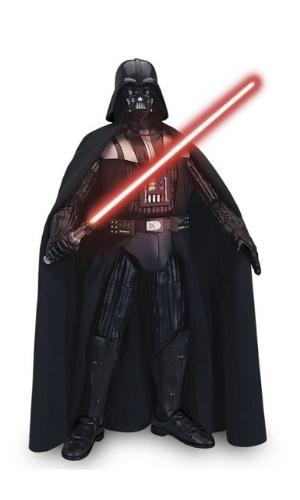 Boneco interativo Darth Vader, da marca Toyng. Custa R$ 1.499,99 no site da Ri Happy