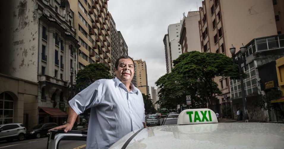 """Ronaldo Luis Mendes Martins, taxista, 56 anos, mora em São Paulo há 13 anos. """"Troquei o Rio por São Paulo. Quebrei um paradigma, né? Nasci no interior do Rio de Janeiro, mas em São Paulo encontrei mais oportunidade de trabalho, de renda. No táxi é tudo muito bom, por isso me tornei taxista depois que deixei meu último emprego na indústria de alimentos""""."""