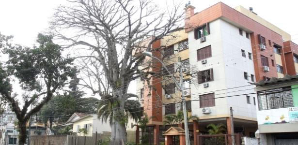 Prédio onde fica o apartamento de Dilma no bairro Tristeza, em Porto Alegre