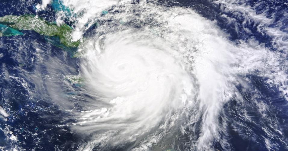 4.out.2016 - Imagem da Nasa captada sobre o sudoeste do Haiti horas após a passagem do furacão Matthew