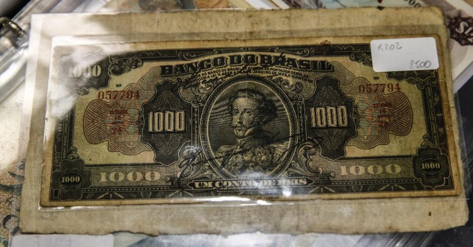 Cédula de um conto de réis de década de 1920, vendida a R$ 8.500. Apesar de ter sido emitida após o período imperial, a nota trazia ainda a efígie de D. Pedro 2º