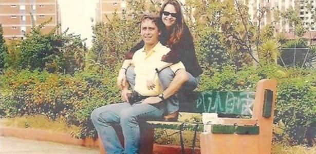 Mário César Levy em foto tirada um mês antes de morrer, na explosão do VLS. A companheira dele, que aparece na foto, ainda não conseguiu ter acesso ao bens da herança, nem o filho único