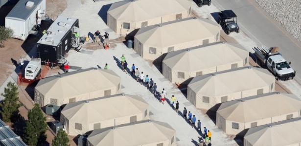 19.jun.2018 - Abrigo para crianças de imigrantes ilegais em Tornillo, Texas (EUA) - Mike Blake/Reuters