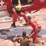 Bombeiros resgatam vítimas após barragem se romper em Brumadinho (MG) - Reprodução/TV Record