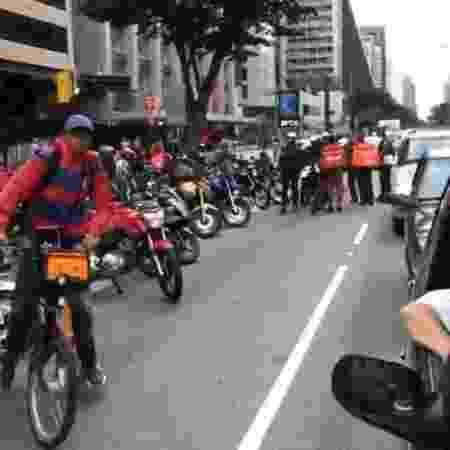 Entregadores protestam na avenida Paulista, em São Paulo, contra pagamentos baixos e falta de equipamento de proteção - Reprodução