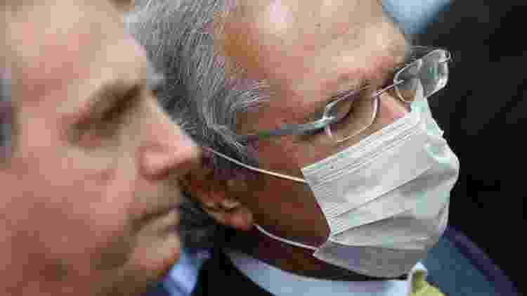 Bolsonaro e o ministro Paulo Guedes em foto de maio; projeto de reforma tributária é promessa do governo há meses - REUTERS/Adriano Machado - REUTERS/Adriano Machado