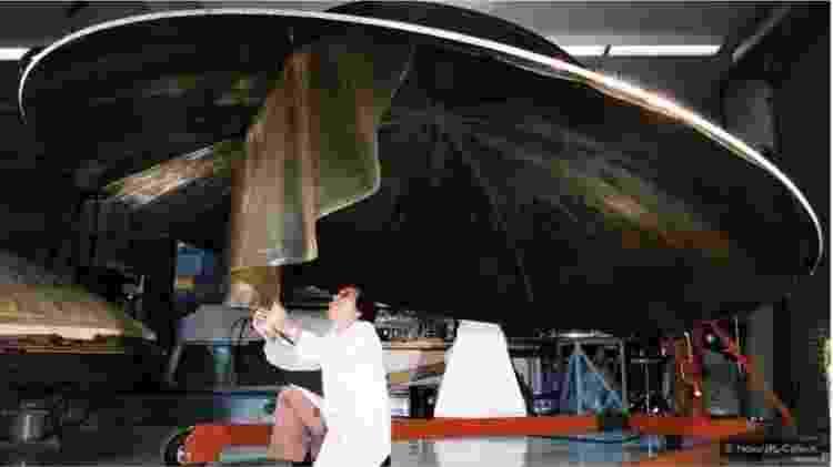 A nave espacial Voyager, do tamanho de um carro, foi lançada em 1977 e agora está transmitindo dados do espaço interestelar - Nasa - Nasa