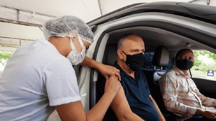 Aos 61 anos, Belivaldo Chagas (PSD) recebeu hoje a primeira dose da vacina contra o novo coronavírus - Reprodução/Facebook - Reprodução/Facebook