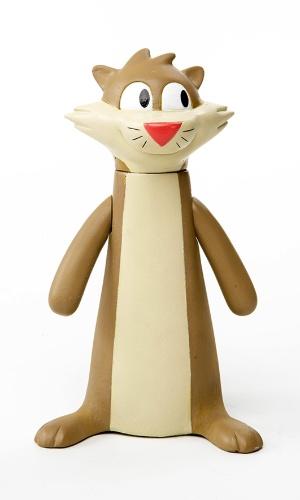 """Boneco colecionável do furão Cláudio, do desenho """"O Show da Luna"""". O produto, lançado pela Estrela, é feito em vinil, tem aproximadamente 14cm de altura e é vendido por R$ 54,99"""