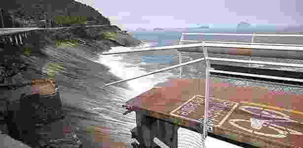 Trecho da ciclovia Tim Maia que desabou com a ressaca do mar, matando 2 pessoas - Ricardo Borges/Folhapress