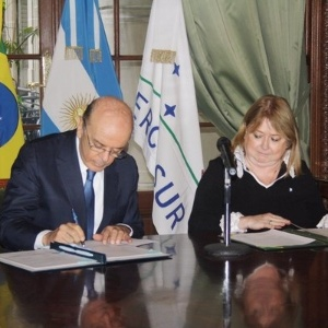 23.mai.2016 - Os chanceleres do Brasil, José Serra, e da Argentina, Susana Malcorra