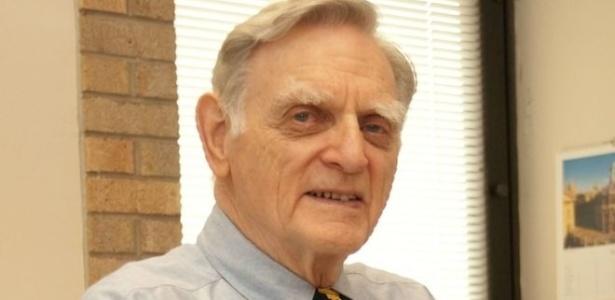 John Goodenough, de 94 anos, inventou as baterias de íon-lítio. Para muitos, o físico deveria ganhar um Prêmio Nobel