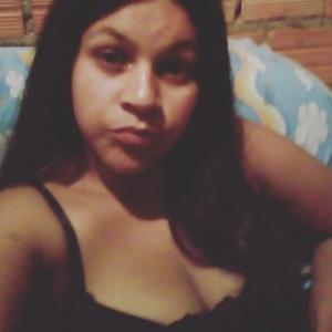 Gabrielle Correa voltava com criança de um ano do mercado em Canoas (RS) - Reprodução/Facebook