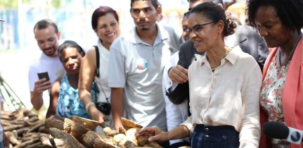 Marina Silva em agenda de rua no bairro da Liberdade, em São Paulo, nesta segunda (10)