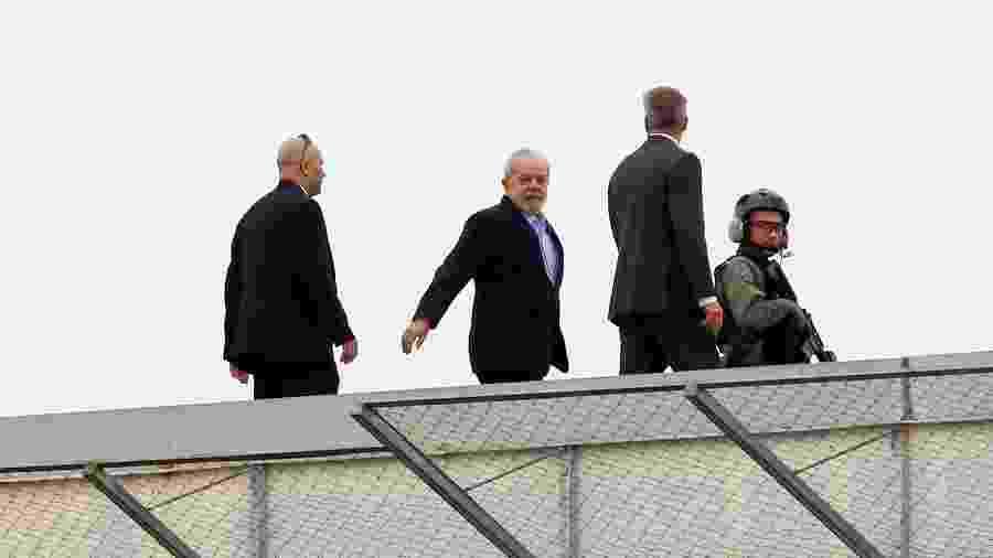 2.mar.2019 - Lula deixa a sede da PF para velório do neto em SP - THEO MARQUES/FRAMEPHOTO/FRAMEPHOTO/ESTADÃO CONTEÚDO
