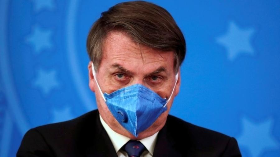 Máscara N95, usada por Bolsonaro, é uma das mais avançadas, mas não protege os olhos - Reuters