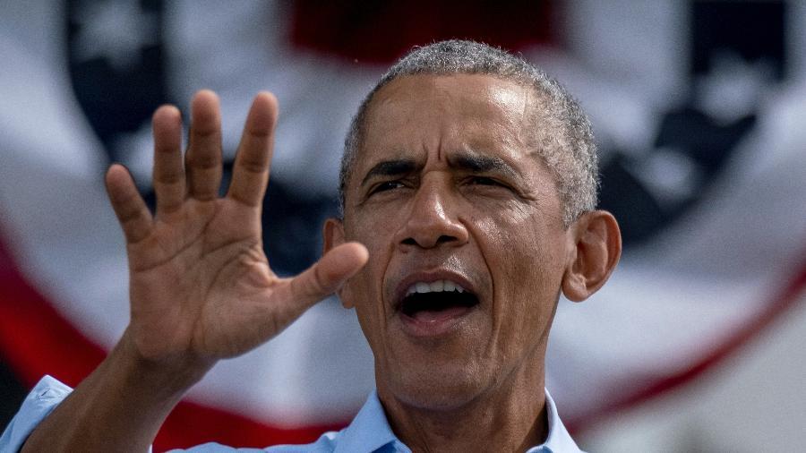 27.out.2020 - O ex-presidente dos Estados Unidos Barack Obama em discurso para a campanha de Joe Biden em Orlando, na Flórida - Ricardo Arduengo/AFP