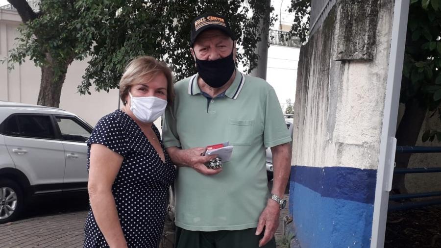 Domingues Tancredo, 93, com a filha Bernadete Mininel, 62 - Wanderley Preite Sobrinho/UOL