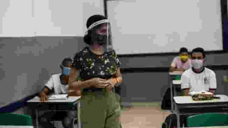 Entidades ligadas a profissionais da educação recebem constantes relatos de trabalhadores sobre dificuldades do ensino presencial - Bruna Prado/Getty Images - Bruna Prado/Getty Images