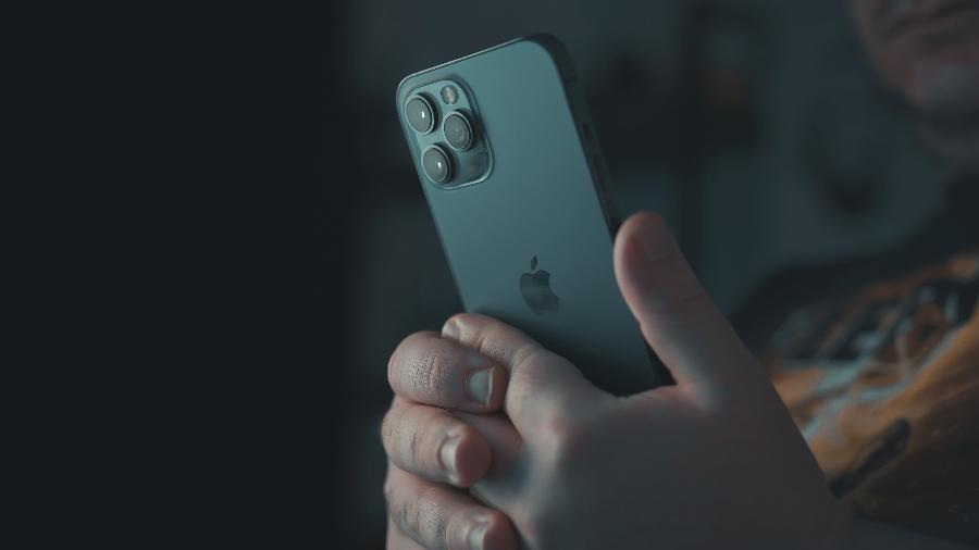Imagem ilustrativa do iPhone 12, lançado em 2020 - Onur Binay/ Unsplash