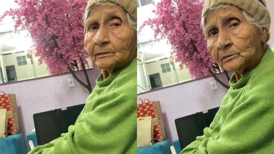 Senhora rebateu fake news dita pela neta e viralizou no TikTok - Reprodução/ TikTok @oficialana2k
