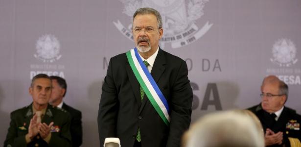 Raul Jungmann toma posse em cerimônia no Clube da Aeronáutica em Brasília