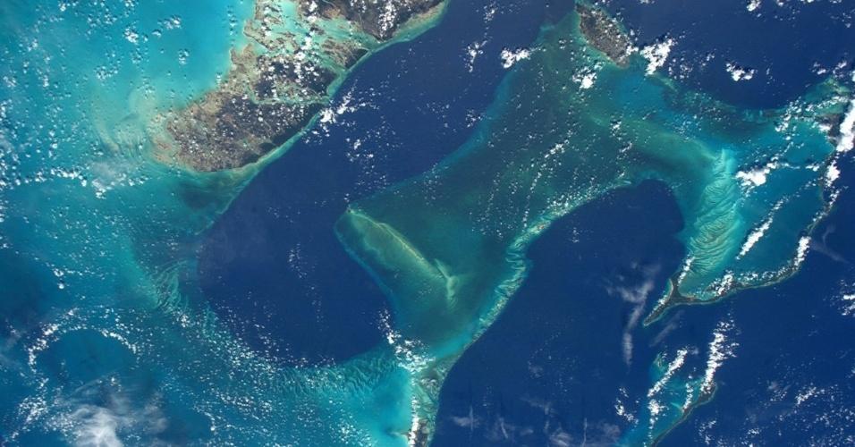 11.jul.2016 - O astronauta Jeff Williams, da Nasa, registrou essa imagem da barreira de corais perto das Bahamas e do arquipélago Florida Keys (EUA), no Caribe, vista desde a ISS (Estação Espacial Internacional). Ele postou a foto na sua conta do Twitter com a seguinte frase: