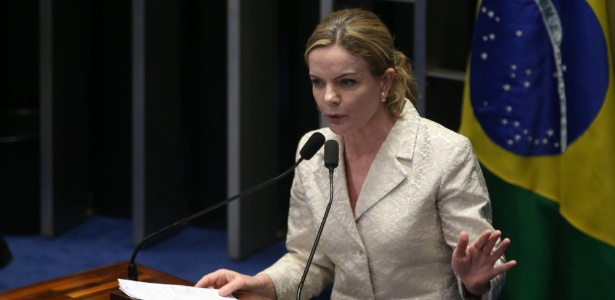A senadora Gleisi Hoffmann (PT-PR) no Senado