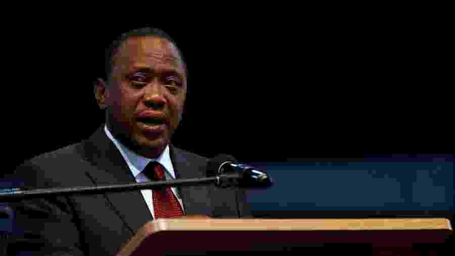 """Presidente Uhuru Kenyatta se referiu a """"alguns excessos"""" cometidos pela polícia - Thomas Mukoya/Reuters"""
