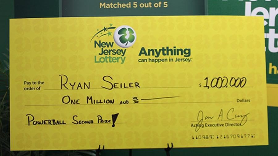 Ryan Seiler levou para casa um cheque de US$ 1 milhão - New Jersey Lottery