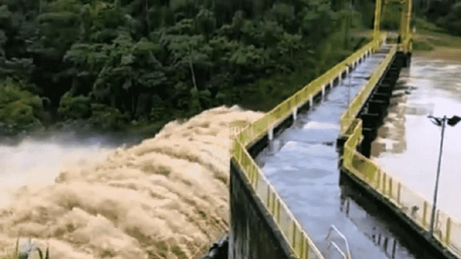 Barragem São João, em Alegre (ES), corre risco de rompimento após chuvas - Reprodução/TV Gazeta