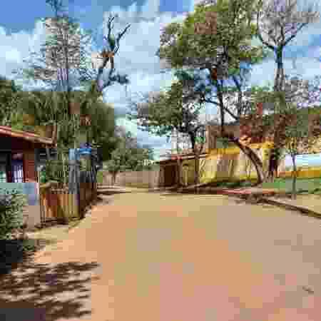 Córrego do Feijão, em Brumadinho, tem ruas desertas e movimento no dia de Finados ocorreu só durante missa - Amaury Ribeiro Jr./UOL - Amaury Ribeiro Jr./UOL