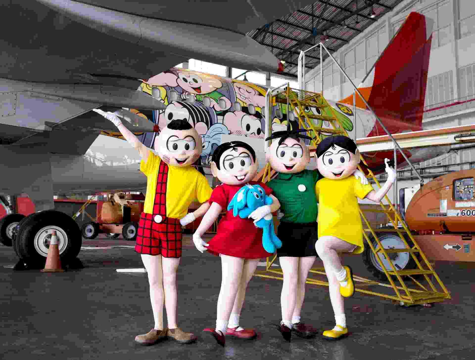 6.out.2015 - Companhia aérea lança avião comemorativo com personagens da Turma da Mônica - Divulgação
