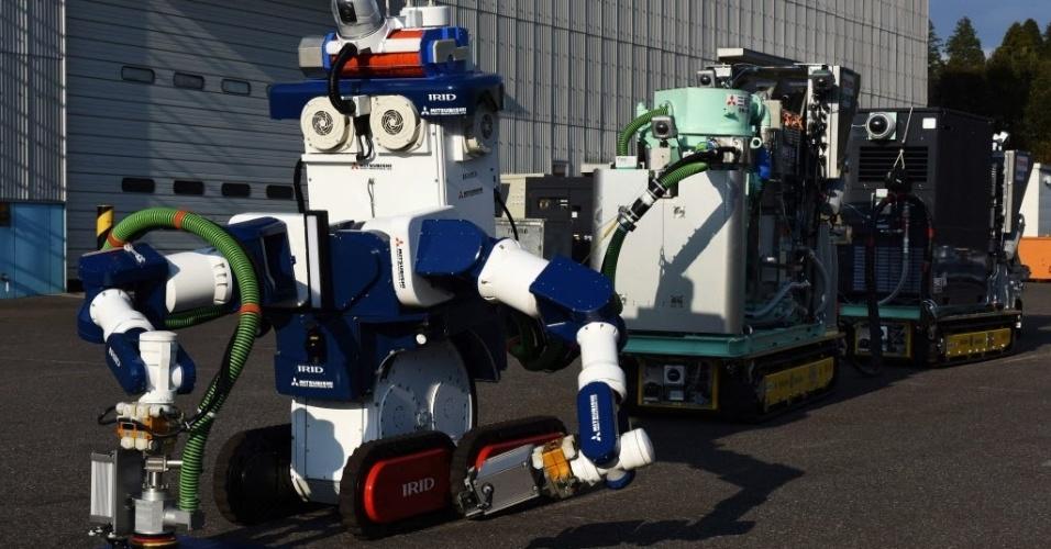 18.jan.2016 - Um robô operado por controle remoto retirará as barras de combustível do reator número 3 da usina nuclear de Fukushima, onde os níveis de radiação atuais impedem que um humano realize essa tarefa