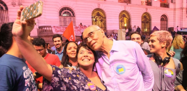 Suplicy foi muito assediado durante evento de campanha de Freixo no centro