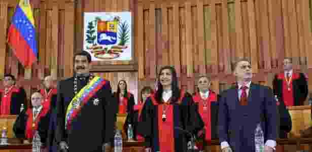 Maduro durante cerimônia no Tribunal Superior da Justiça (TSJ) do país, em fevereiro - Miraflores Palace via REUTERS
