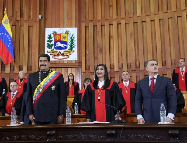 Maduro durante cerimônia no Tribunal Superior da Justiça (TSJ) do país, em fevereiro