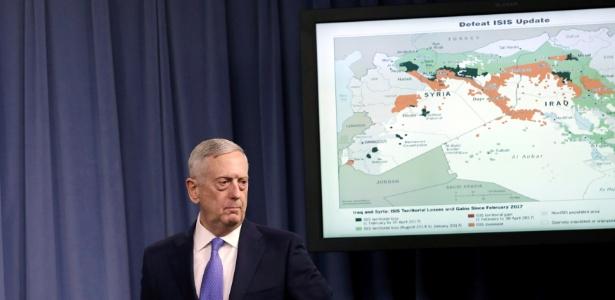 O secretário de Defesa dos EUA, James Mattis, apresenta a nova estratégia dos EUA contra o Estado Islâmico, no Pentágono, Washington