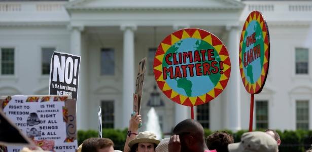 Protesto em abril sobre aquecimento global em frente à Casa Branca