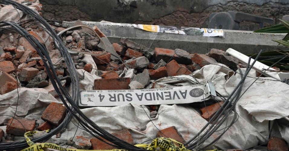 8.set.2017 - Escombros de construção na Cidade do México