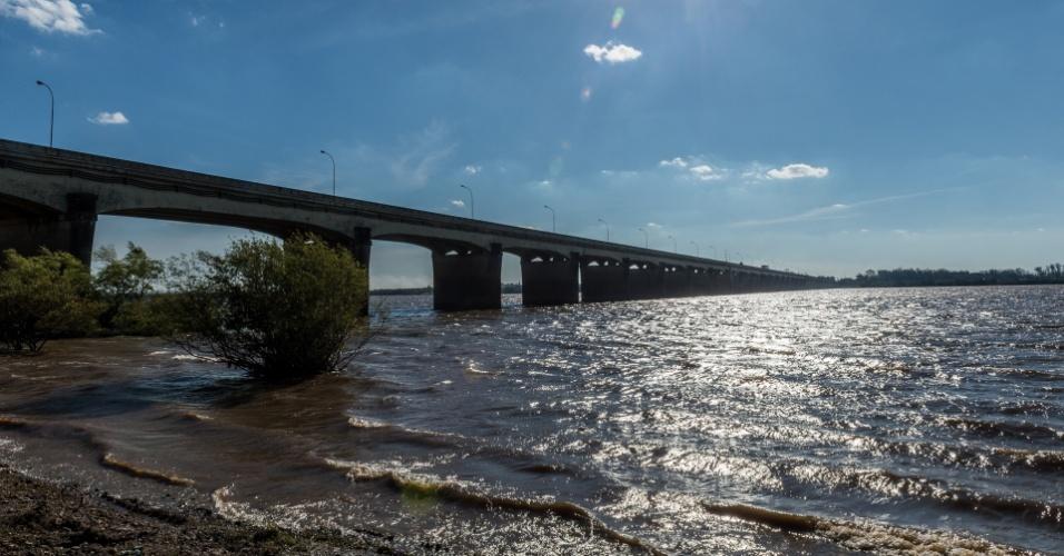 A ponte Internacional Brasil-Argentina serviu de travessia para cidadãos contrários às ditaduras sul-americanas