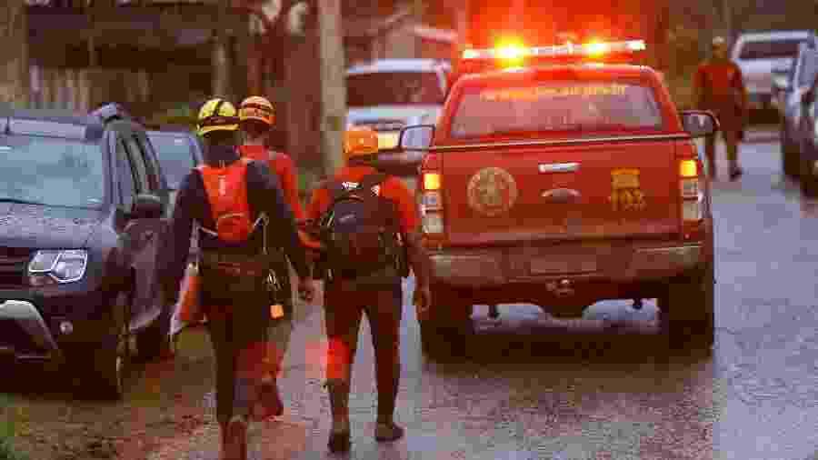 17.fev.2019 - Trabalho de buscas por vítimas após o rompimento de barragem da Vale em Brumadinho (MG) - Christyam de Lima/Estadão Conteúdo