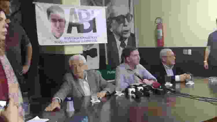 30.jul.2019 - Glenn Greenwald em entrevista durante ato na ABI (Associação Brasileira de Imprensa) - Igor Mello/UOL - Igor Mello/UOL
