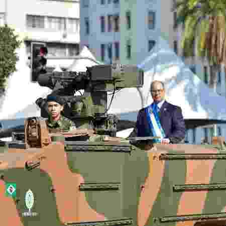 Governador Wilson Witzel participa do desfile de 7 de Setembro em cima de tanque de guerra - THIAGO RIBEIRO/AGIF/ESTADÃO CONTEÚDO