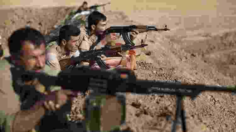 Curdos iraquianos de Peshmerga lutaram contra o Estado Islâmico no norte do país - AFP
