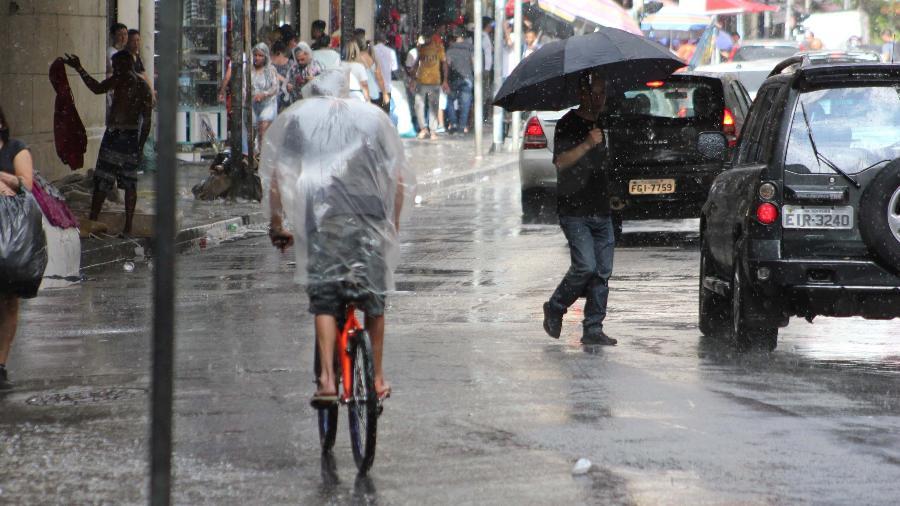08.jan.2020 - Chuva forte causa transtornos em São Paulo - Willian Moreira/Futura Press/Estadão Conteúdo