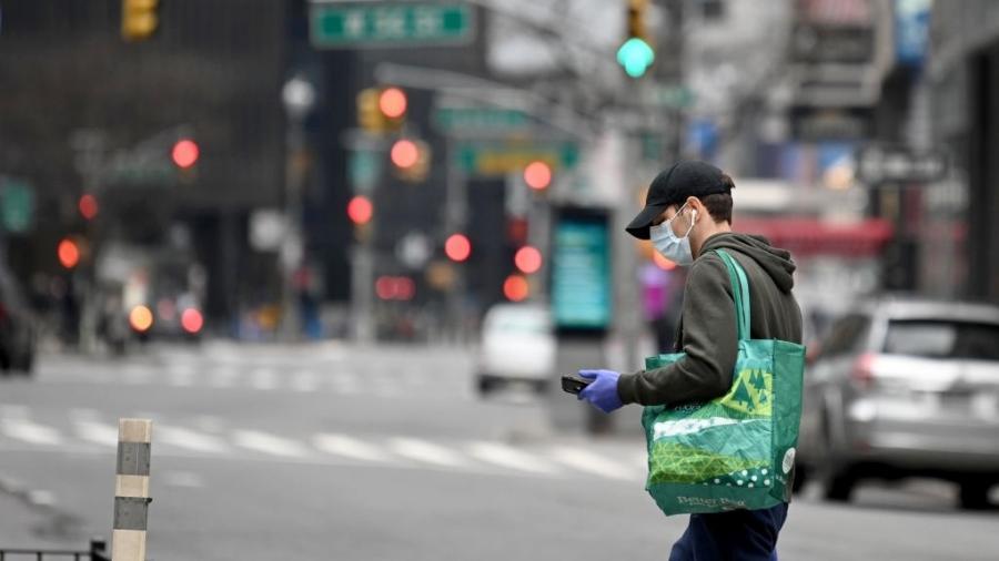 Devido a pandemia, só o setor privado dos EUA perdeu mais de 20 milhões de postos de trabalha no início de abril - Alexi Rosenfeld/Getty Images